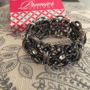 New perfect condition premier designs bracelet